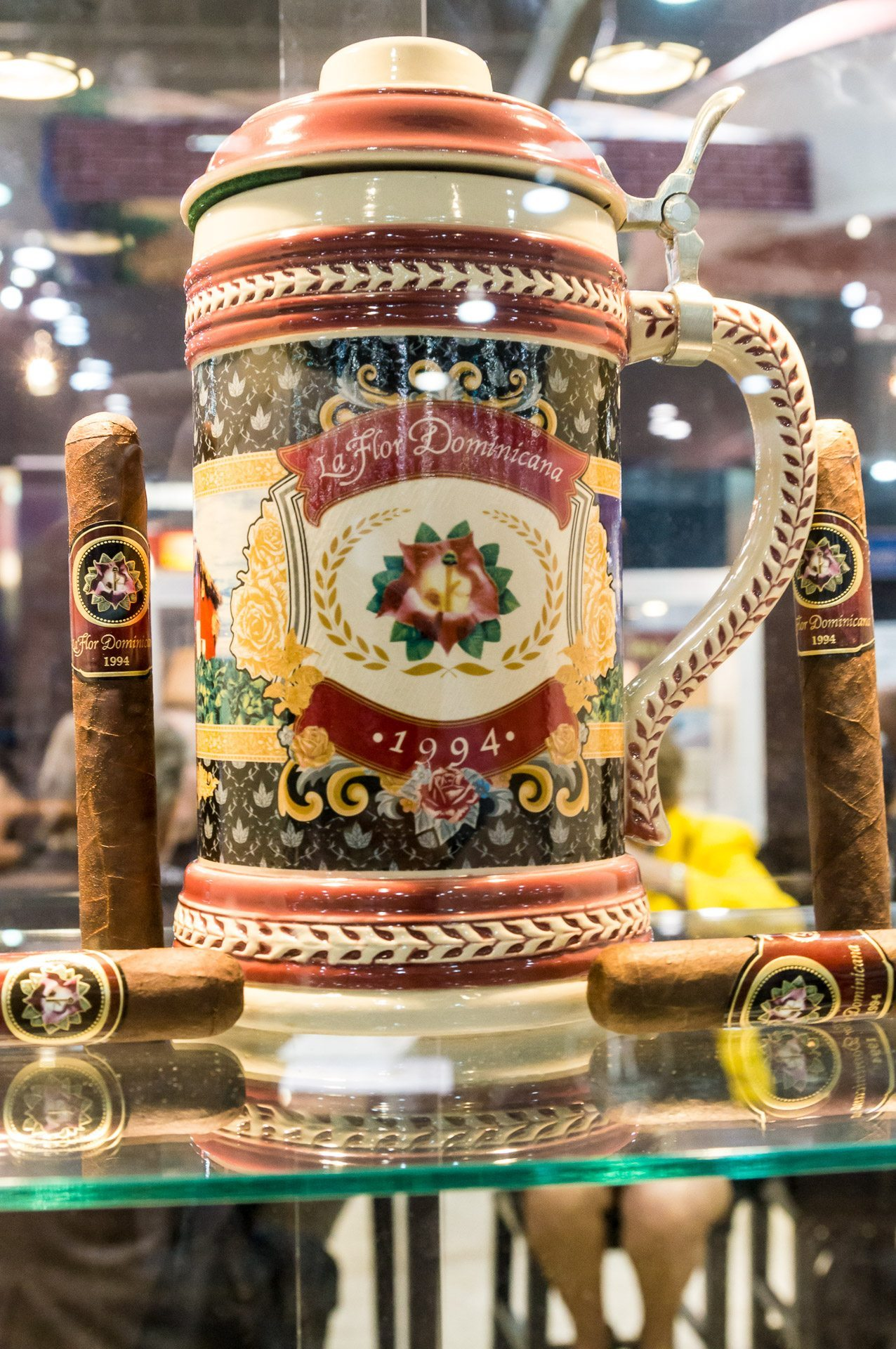 IPCPR 2014: The Show in Pictures – La Flor Dominicana, Legend Cigars and Les Mousquetaires