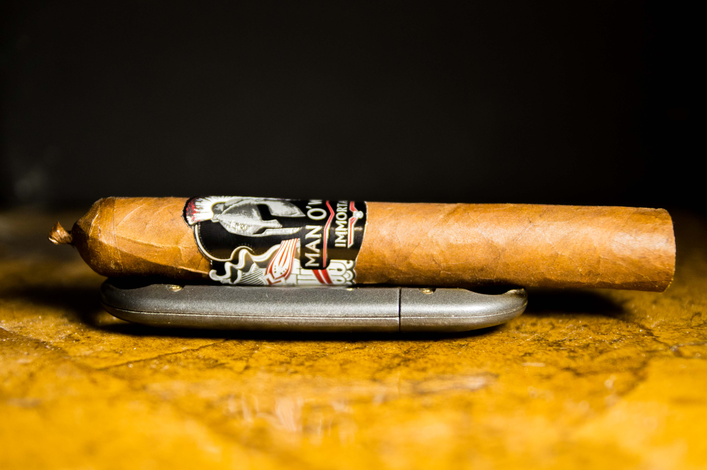 Quick Cigar Review: Man O' War | Immortal Robusto