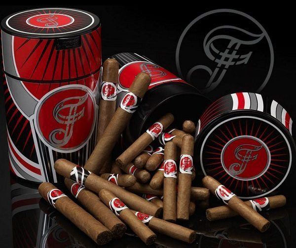 Cigar News: Famous Smoke Shop Announces the Release of their Exclusive Cigar #Famous